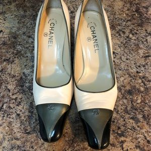 CHANEL pumps (size 38.5)